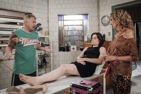 Cena de 'Pé na cova' (Foto: Rafael Sorín/TV Globo)