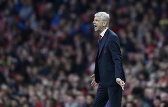 No aniversário de Wenger, Arsenal empata em casa e torce para ser líder