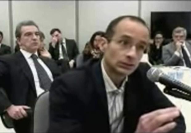 O empresário Marcelo Odebrecht presta depoimento ao juiz Sérgio Moro, da Lava Jato (Foto: Reprodução/YouTube)