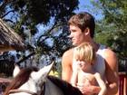 Jonatas Faro anda a cavalo com Guy: 'Olha como o cara cresceu'