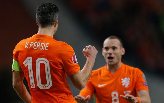 van Persie e Sneijder gol Holanda (Foto: Reuters)