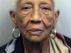 Famosa ladra de joias volta a ser presa aos 85 anos nos EUA