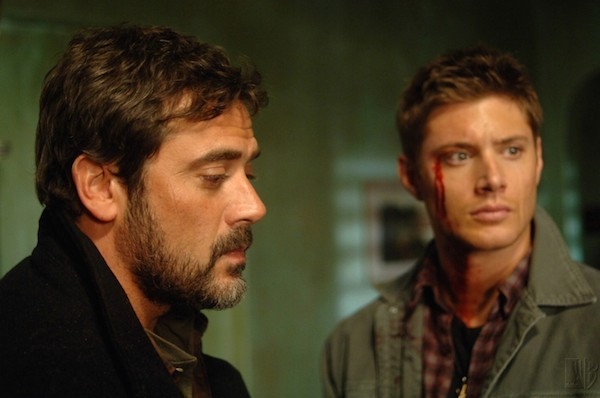 Jeffrey Dean Morgan e Jensen Ackles em 'Supernatural' (Foto: Reprodução)