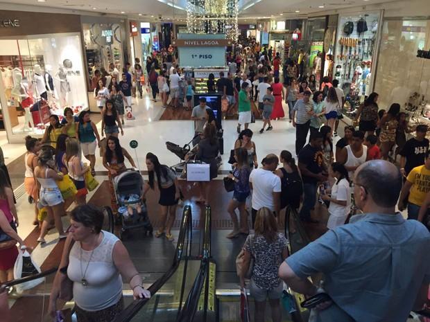 7fd94721d5b G1 - Lojas de rua do Rio que participam da Black Friday abrem às 7h ...