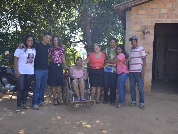 Irmãos tiveram finalmente a família reunida no último sábado (25) (Foto: Franciele do Vale/G1)