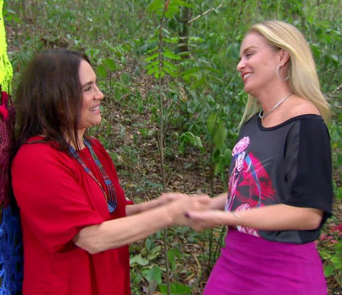 Regina recebeu o carinho de Angélica (Foto: TV Globo)