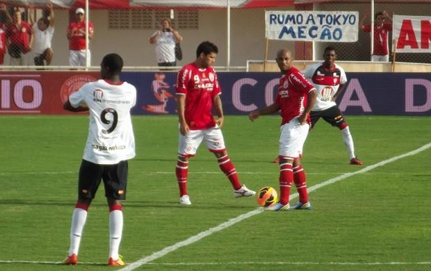 Marquinhos e Marcelo Nicácio marcaram os gols do Vitória (Foto: Jocaff Souza)