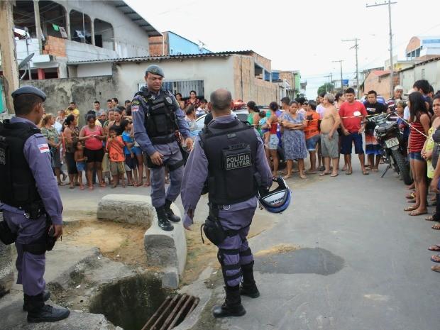 Moradores estão assustados com a violência no Mutirão, Zona Norte de Manaus (Foto: Marcos Dantas/G1 AM)
