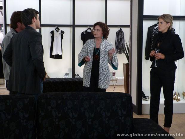 Tamara não entende nada (Foto: Amor à Vida / TV Globo)