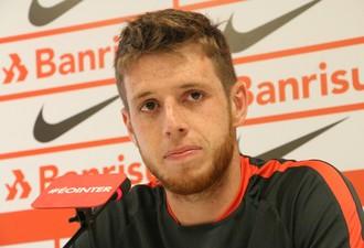 Aylon centroavante Inter (Foto: Tomás Hammes / GloboEsporte.com)
