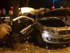 Duas mulheres morrem ao serem arremessadas de carro após colisão