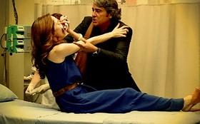 Cadinho leva Noêmia ao hospital e dá de cara com Verônica