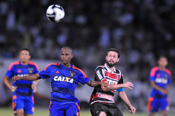 Santa Cruz x Sport  (Foto: Aldo Carneiro (Pernambuco/Press))
