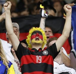 Torcida Alemanha x Ucrânia Eurocopa (Foto: Reuters)