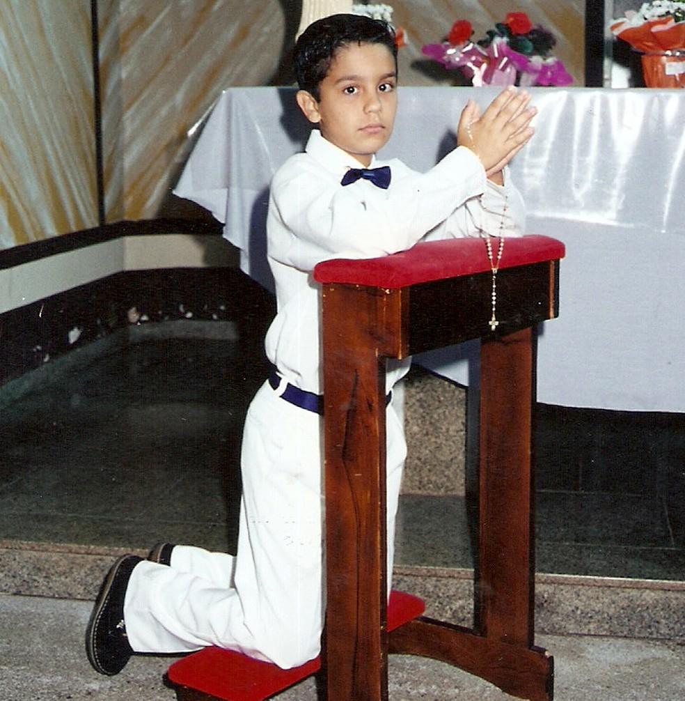 Relogioso, Luan Santana em sua Primeira Comunhão (Foto: Arquivo Pessoal)