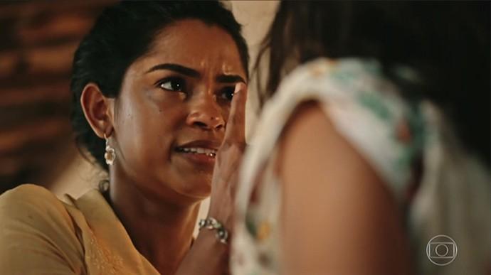 Luzia se revolta com o interesse da filha em Miguel  (Foto: TV Globo)