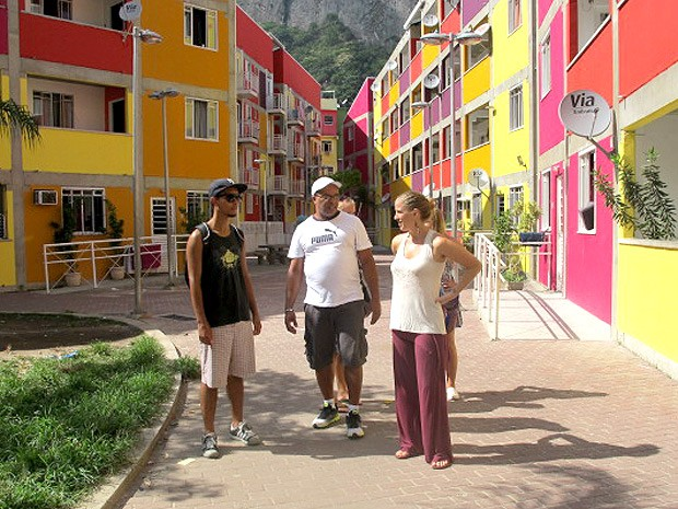 Condomínio do PAC na Rocinha também chama atenção dos turistas (Foto: Christiano Ferreira / G1)