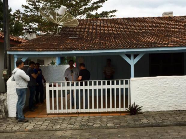 Padre foi preso em casa em Santa Catarina (Foto: Polícia Civil)