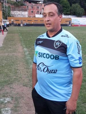 Charles de Almeida, técnico do Estrela do Norte (Foto: Fábio Andrade/TV Cachoeiro)
