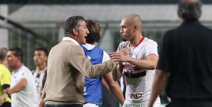 Bauza Maicon Atlético-MG x São Paulo  (Foto: Rubens Chiri/saopaulofc.net)