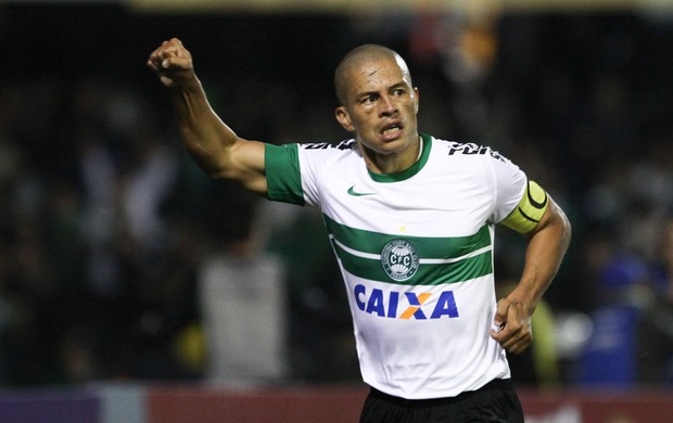 Alex comemora, Coritiba x Fluminense (Foto: Geraldo Bubniak/Agência Estado)