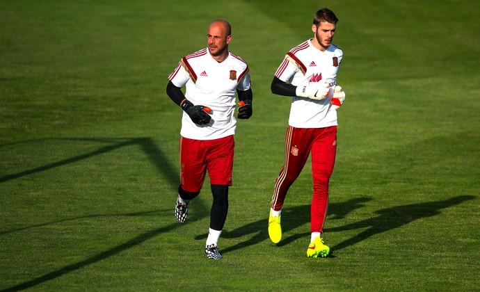 Pepe Reina e David De Gea treino Espanha (Foto: Getty Images)