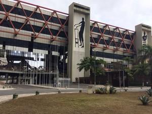 Centro de convenções passava por obras de recuperação (Foto: Adriana Oliveira/ TV Bahia)