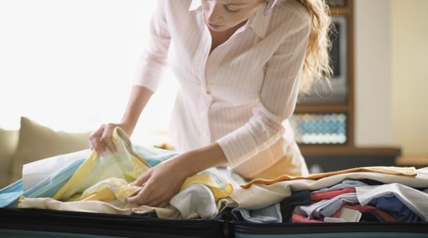 À medida que o usuário faz a mala, vai marcando no aplicativo o que já foi para dentro da bagagem (Foto: Thinkstock)