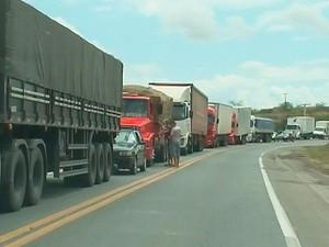 Caminhão (Foto: Imagem/TV Subaé)