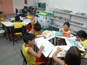 Quase metade das crianças não sabe ler e escrever corretamente em Boa Vista (Foto: Marcos Lima)