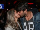 Renan comemora aniversário de 30 anos ao lado da namorada e ex-BBBs