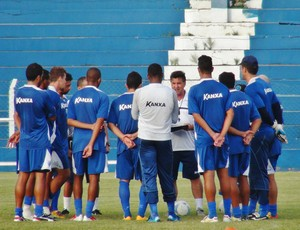 Treinador tem dúvidas entre os titulares para jogo com o Santa Rita (Foto: Henrique Pereira/ GloboEsporte.com)