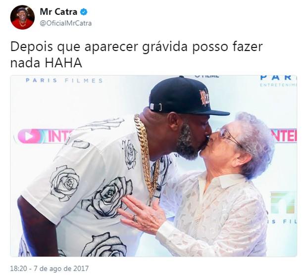 Mr. Catra relembra beijo com Palmirinha (Foto: Reprodução/Twitter)