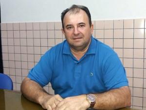 Edson Soares é vereador da oposição em Lucrécia (Foto: Fred Carvalho/G1)