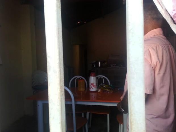 Pai de adolescente suspeito de crime diz que filho fazia 'coisa errada' (Foto: Patrícia Andrade/G1)