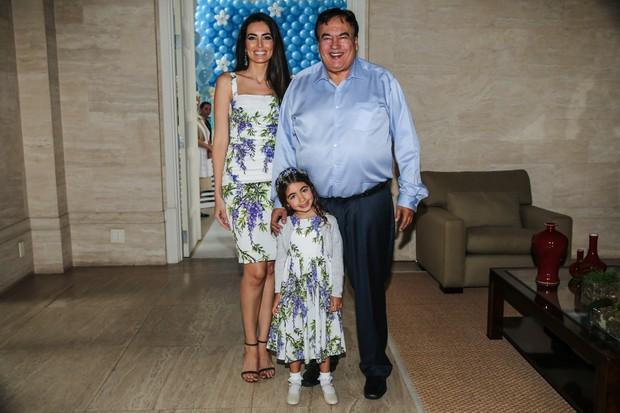 Iara Jereissati com o pai e a filha Maria Clara (Foto: Manuela Scarpa / Photo Rio News)