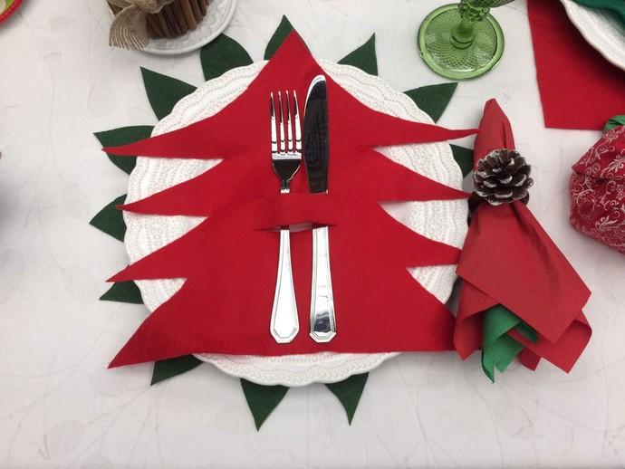 Porta-talher de árvore de Natal. Que graça e fácil de fazer! (Foto: Paula Oliveira / Gshow)