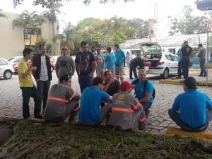 Paralisação ocorre em todo o estado, segundo sindicato (Foto: Luiz Souza/RBS TV)