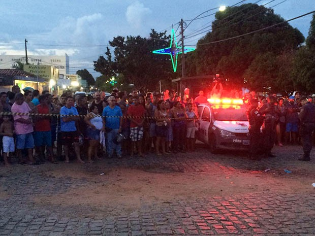 Crime aconteceu no bairro POtengi, na Zona Norte de Natal (Foto: Kléber Teixeira/Inter TV Cabugi)