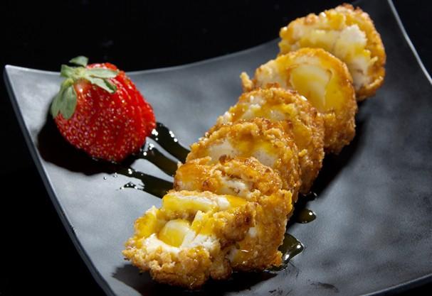 Que tal um tempurá de sorvete com calda de laranja? Anote a receita!