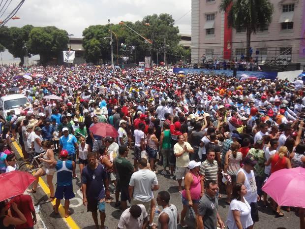 Milhares de motociclistas lotaram a av. Presidente Vargas, em Belém.  (Foto: Thais Rezende/ G1)