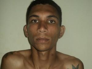 Foragido foi preso em posto de combustível (Foto: Dicap/ Divulgação)