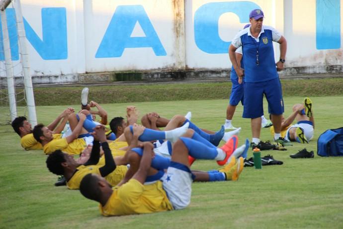 Ala George comandou o primeiro treino visando o Amazonense (Foto: Marcos Dantas)