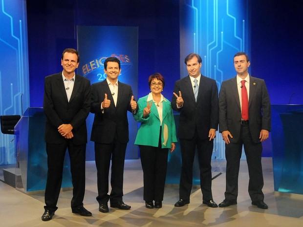Candidatos a prefeitura do Rio de Janeiro posam para foto no estúdio antes do debate. (Foto: Alexandre Durão/G1)