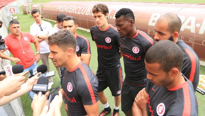 Jogadores Inter alex declaração brasileirão (Foto: Tomás Hammes / GloboEsporte.com)