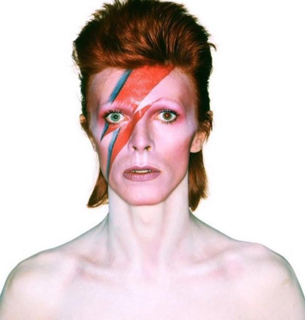 David Bowie na capa de 'Aladdin Sane', um de seus álbuns mais famosos (Foto: Reprodução)