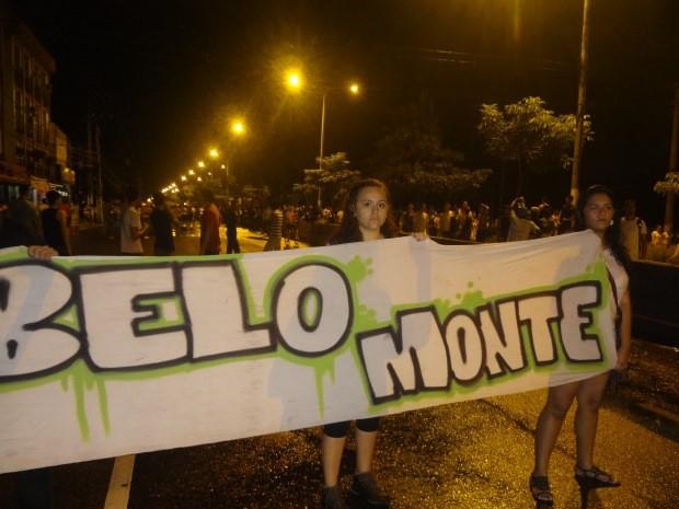 """Lorena de Lima acompanhou a passeata desde o começo até fo final: """"Estamos de parabéns"""". (Foto: Gil Sóter/ G1 PA)"""