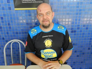 Spencer Lee, técnico do Praia Clube (Foto: Caroline Aleixo/GLOBOESPORTE.COM)