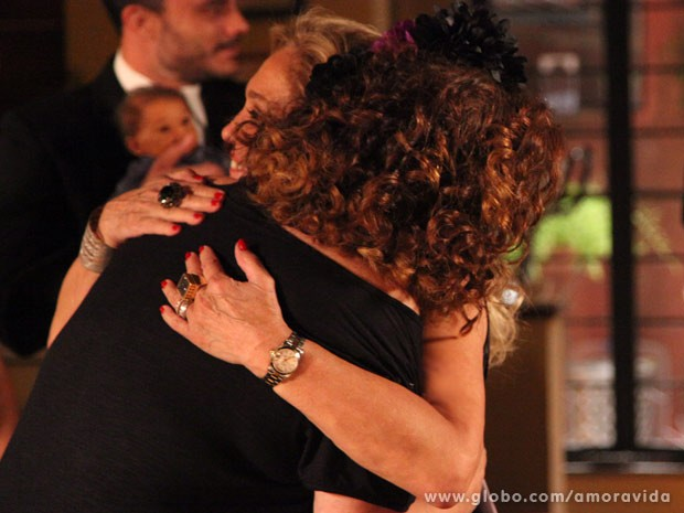 Pilar agradece tudo que a ex-chacrete fez por Félix (Foto: Carol Caminha/TV Globo)