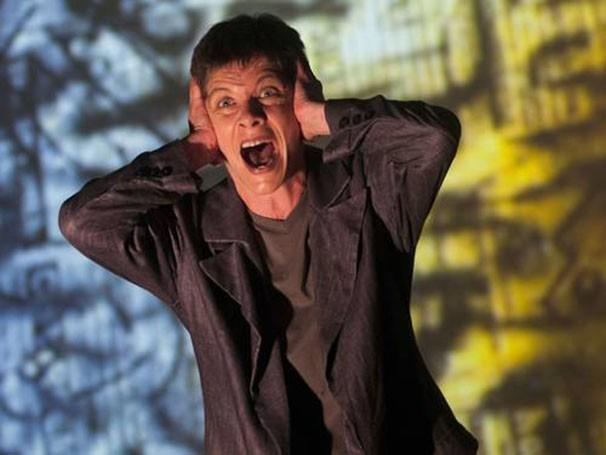 'Primeiro Amor' é o espetáculo que inaugura o Projeto Beckett (Foto: Dalton Valério)